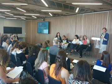 Benedetta Falletti presenta panel empresas voluntare