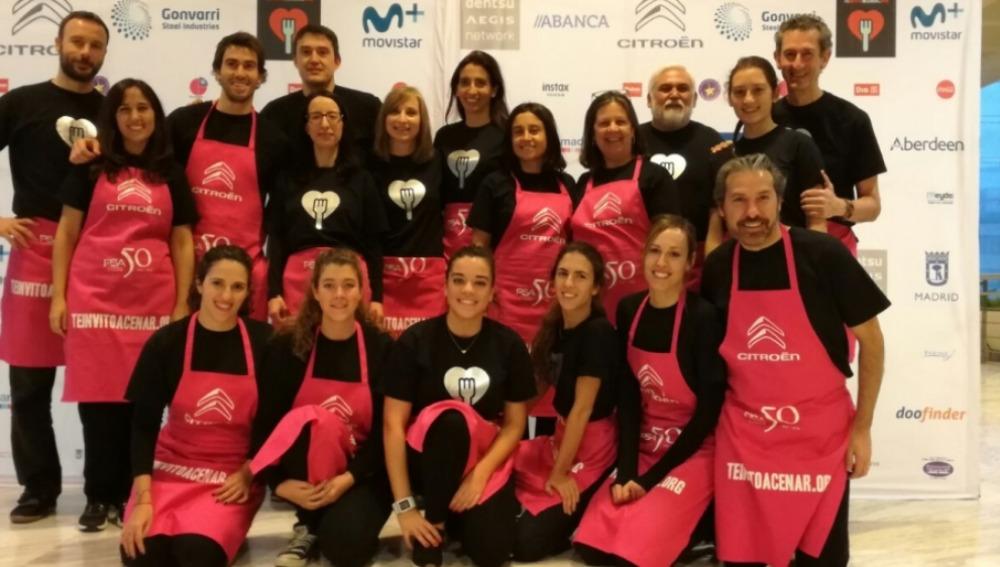 """Los voluntarios de Atresmedia colaboran un año más """"Te invito a cenar"""""""