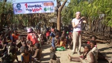 3 voluntarios en Madagascar