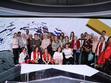 Recibimos la visita de personas mayores de la Cruz Roja en la Semana Internacional del Voluntariado