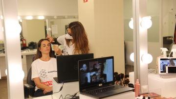 Nos unimos al programa de ocio 'Juntos desde casa' de la Fundación Aladina con un taller de maquillaje online